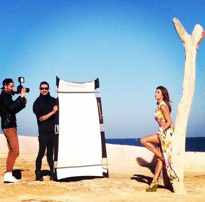 Elisabetta Canalis durante lo shooting a Ibiza