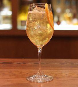 Cocktail Class: How To Make A Grand Marnier Spritz