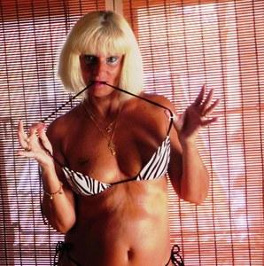 Jackie, actrice porno, sixième sur une liste FN