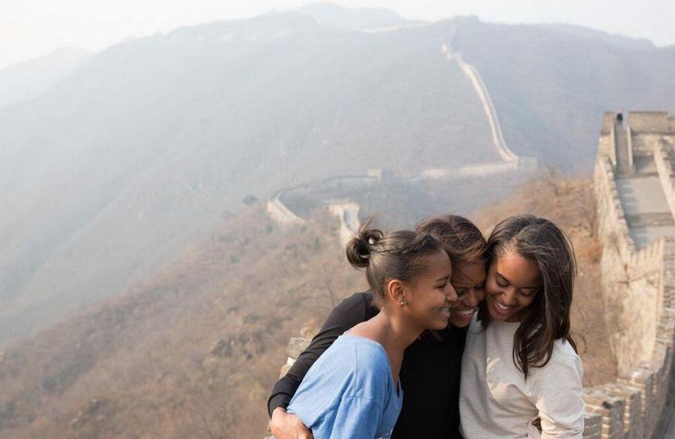 Michelle Obama : Un moment de complicité mère/filles en Chine (Photos)