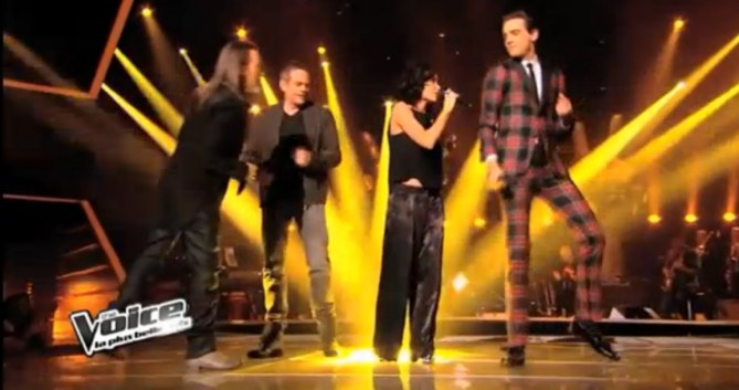 Jenifer en pantalon Dries Van Noten dans The Voice
