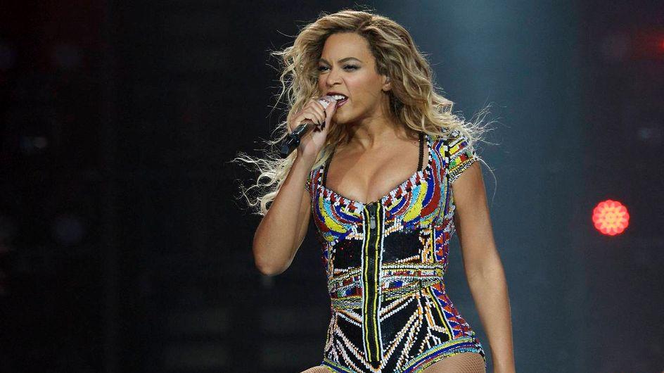 Beyoncé : Découvrez ses plus beaux looks de scène (Vidéo)