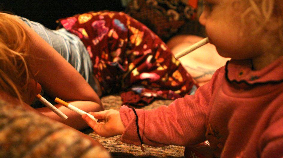 Schockierende Bilder: Ein kleines Kind lebt im Drogensumpf