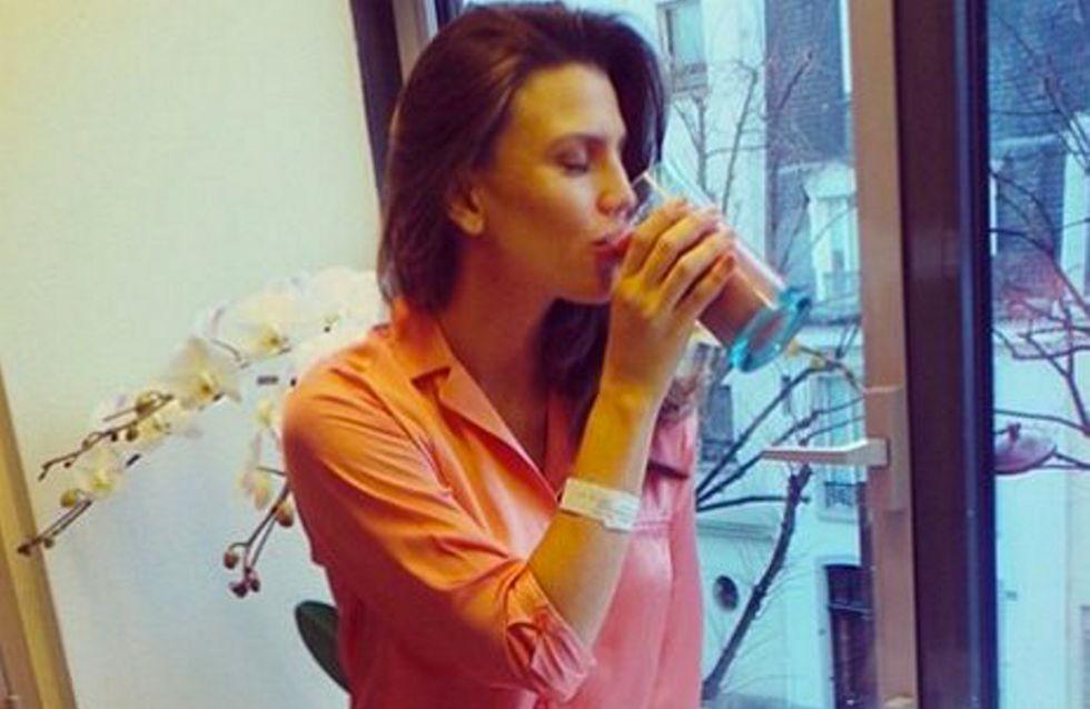 Claudia Galanti ritrova la forma dopo il parto. Come? Bevendo la sua placenta!