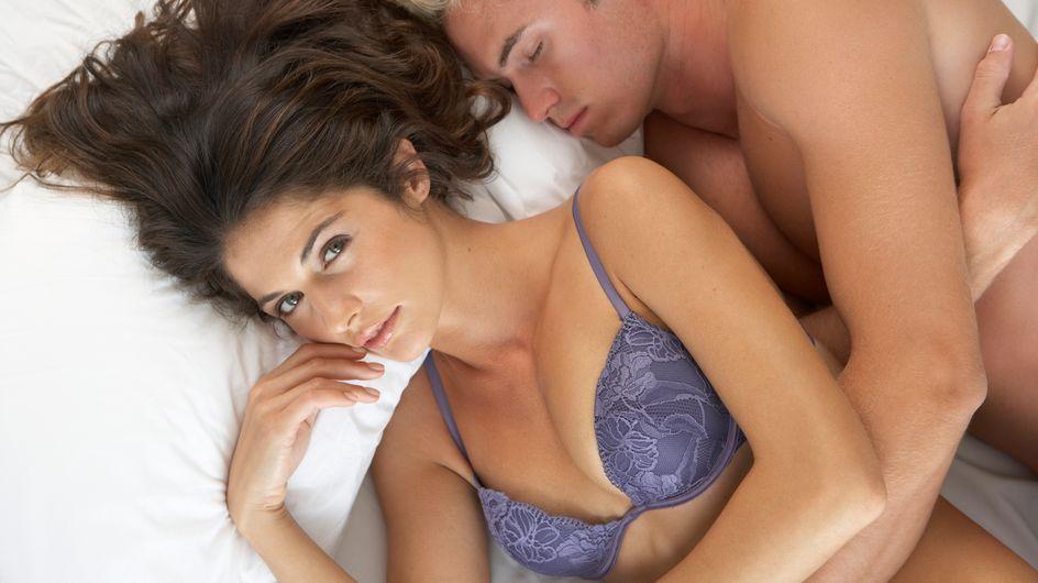 Scopri qual è l'età perfetta per le donne per fare follie sotto le lenzuola