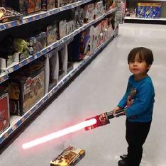 Un papa offre à son fils des pouvoirs de super-héros ! (Vidéo)