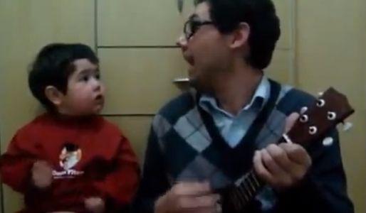 Bambino canta i Beatles
