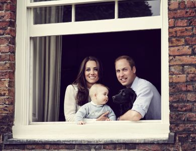 William e Kate insieme al piccolo George e al loro cagnolino