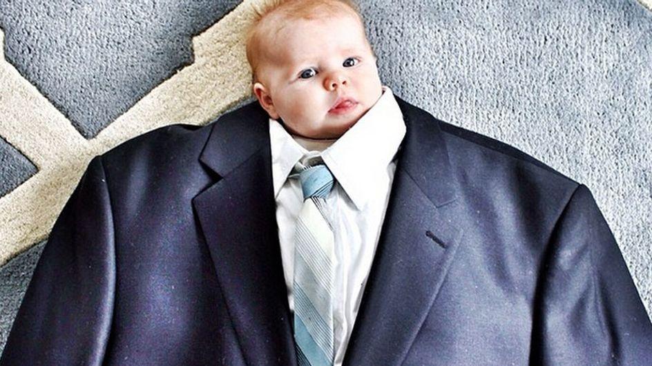 Sind die süß! Kleine Babys in riesigen Anzügen