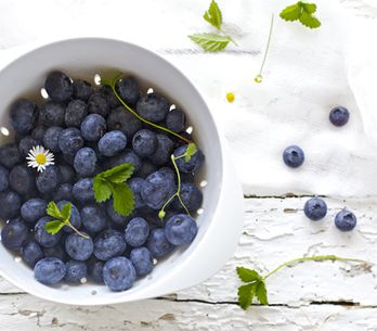 Want To Stay Younger For Longer? Eat These 25 Healthy Foods For Anti-Ageing