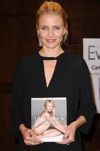 Cameron Diaz mit ihrem Buch 'The Body Book'