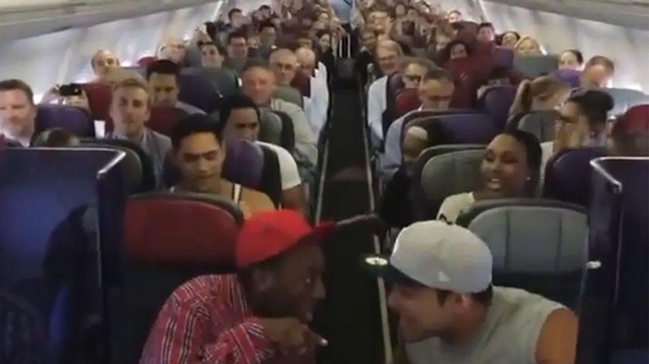 König der Löwen im Flugzeug: Diese Passagiere sind ganz schön überrascht!