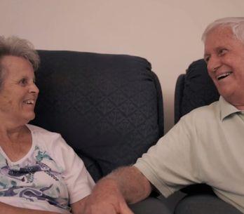 Alzheimer : Cet homme nous montre que l'amour est plus fort que la maladie (vide