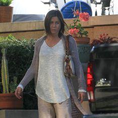 Jennifer, ma come ti vesti? Guarda le foto della Aniston struccata e con un look insolito e trasandato!