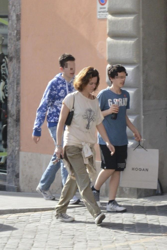 Chiara Giordano insieme ai due figli Alessandro e Francesco