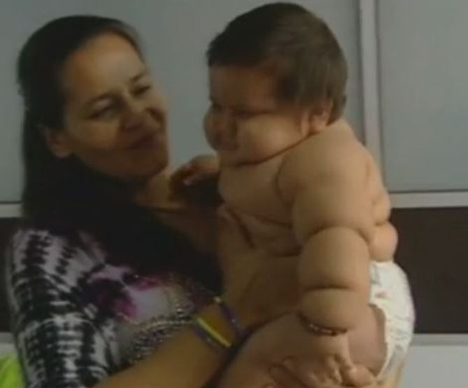 Santiago weegt 20 kilo op 8 maanden