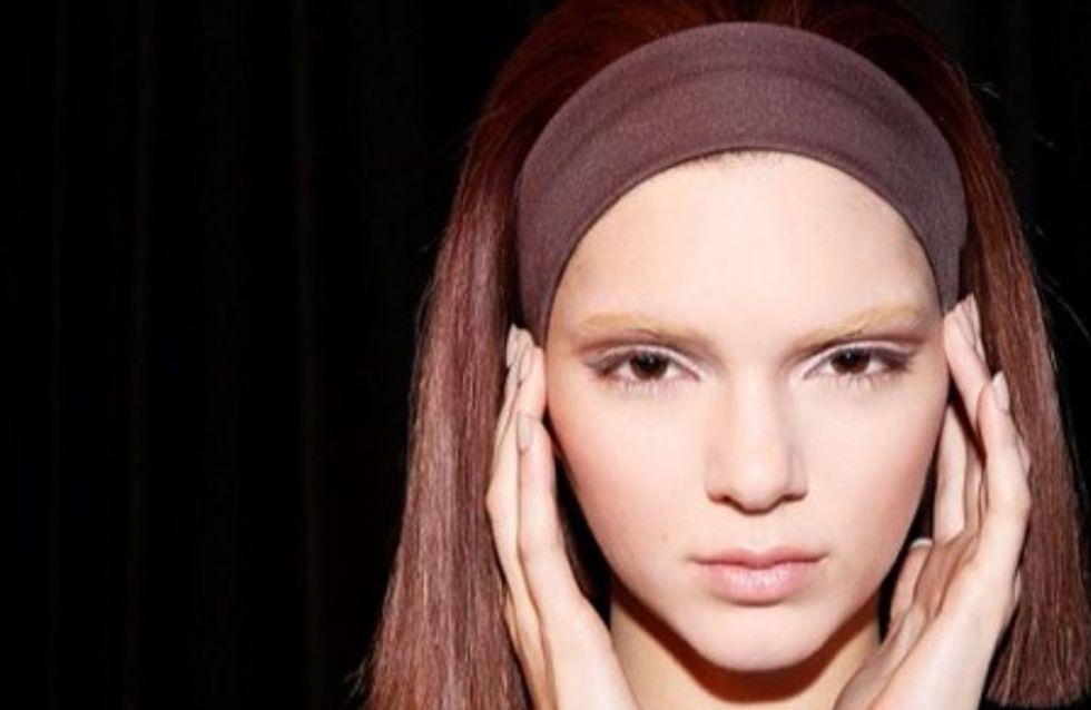 Zoom sur la tendance bleached eyebrows ou sourcils décolorés