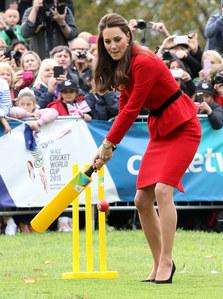 Kate Middleton joue au Circket