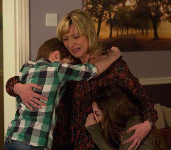 Eastenders 22/04 – Ian can't believe Lucy is dead