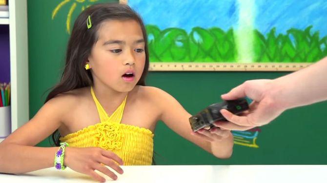 Quand les enfants découvrent le Walkman
