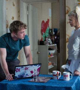 Eastenders 28/04 – Lola reads Peter horrible internet messages about Lucy