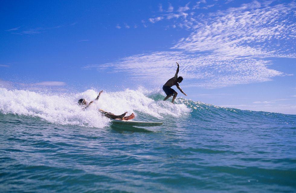 Il se retire une tumeur en plongeant dans les vagues
