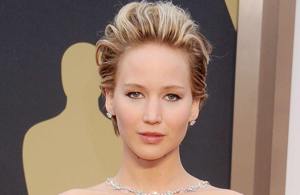 Jennifer Lawrence : Exit la coupe garçonne, elle passe au carré (photos)