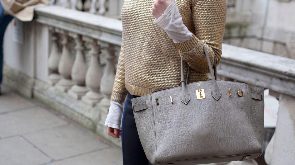 25 cosas innecesarias que llevas en el bolso