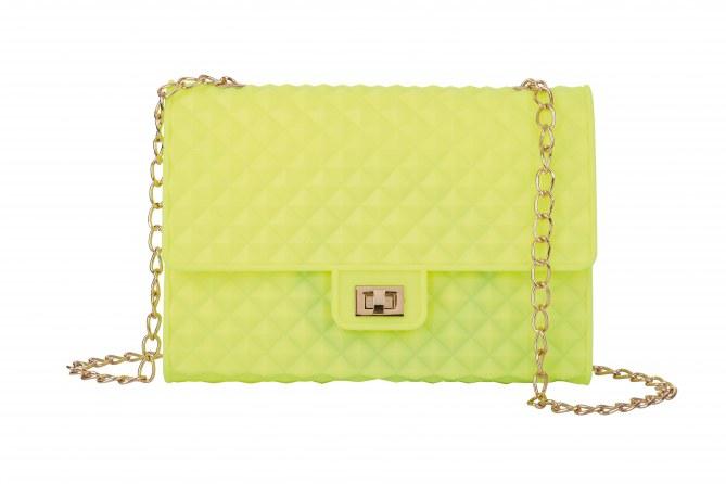 Le sac chaînette en PVC de Molly Bracken