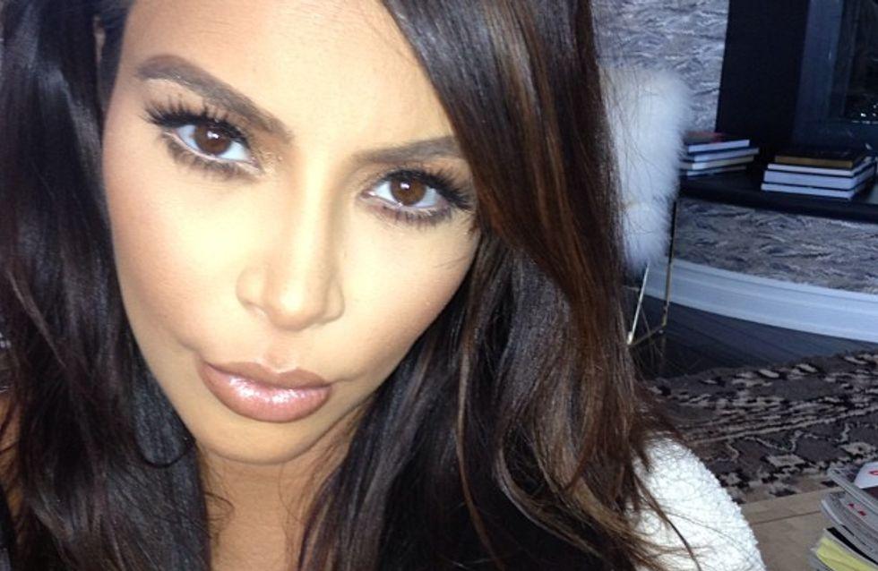 Kim Kardashian : Elle passe à la frange (photos) !