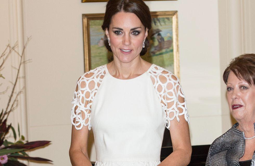 Kate Middleton : Un look angélique pour sa dernière soirée en Australie (Photos)