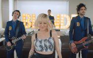 Alizée : Sa fille Annily dans le clip de Blonde (vidéo)