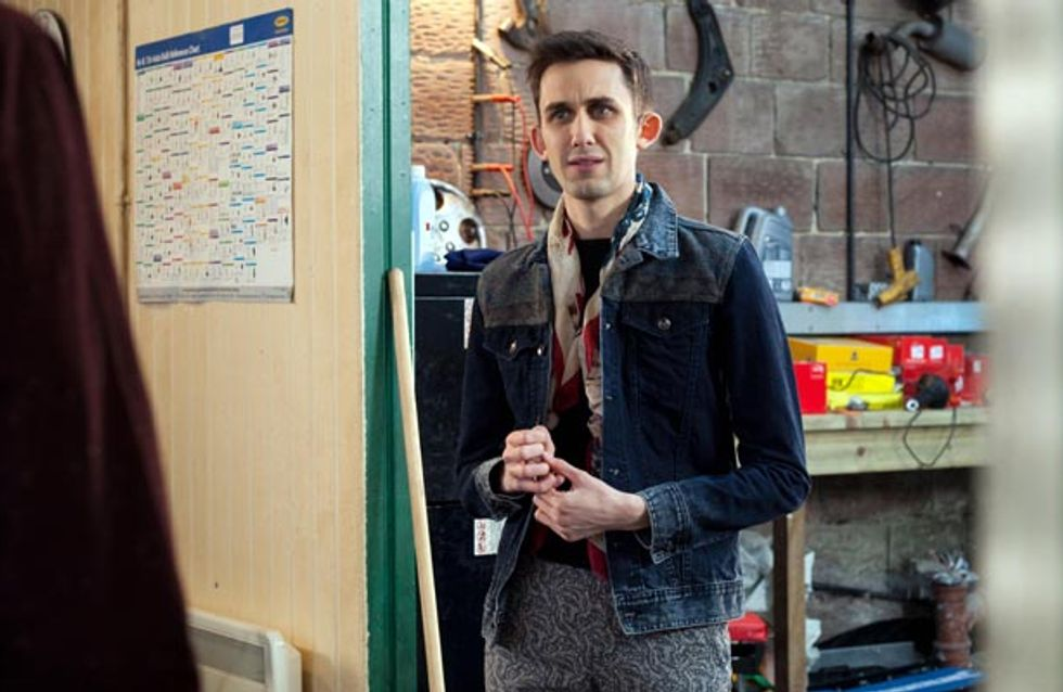 Hollyoaks 12/05 – Will the Lomaxes grow wise to Sienna's wicked ways?