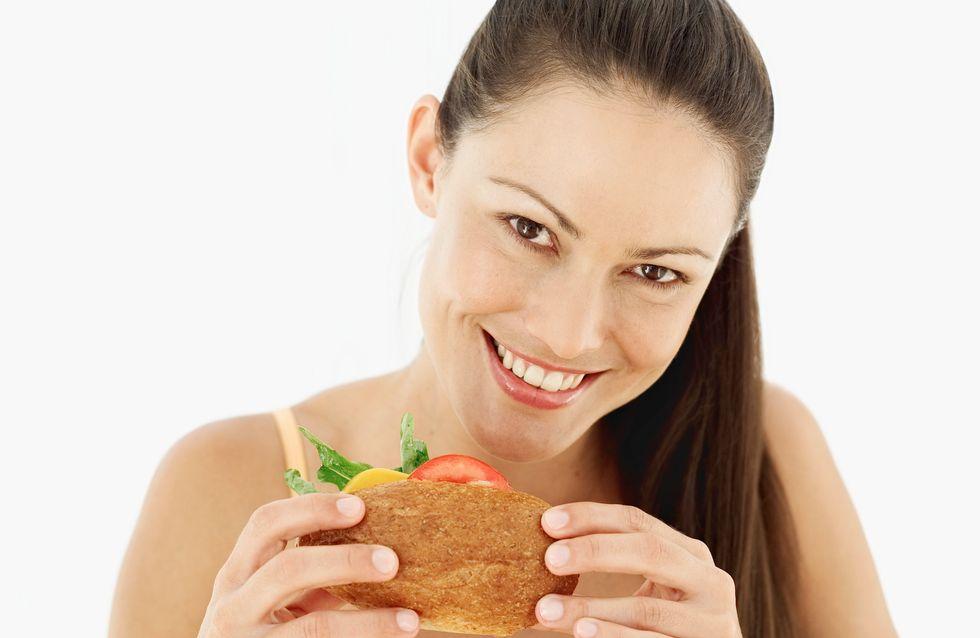Journée sans régime : Notre top 15 des aliments qui font du bien au moral (mais pas forcément à la ligne)