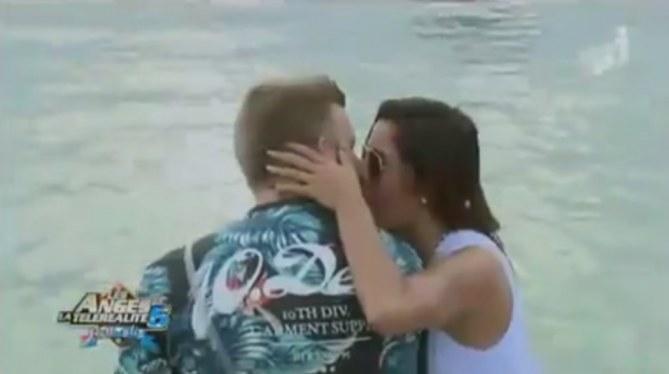 Le premier baiser officiel du couple