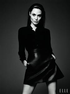 Angelina Jolie pour le ELLE US