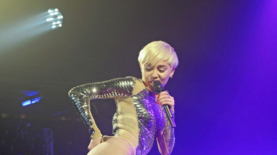 Miley Cyrus sobrepasa la estrecha línea entre lo erótico y lo sexual