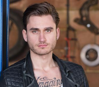 Hollyoaks 23/05 – Freddie resigns himself to admit the truth about him and Lindsey