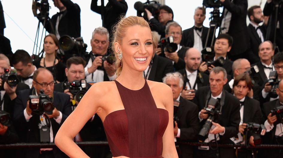 Festival de Cannes 2014 : Blake Lively, renversante pour sa première montée des marches