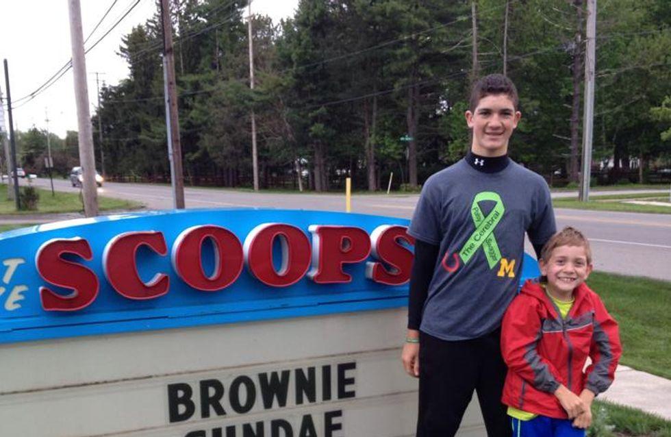 À 14 ans, il sensibilise la population à la paralysie cérébrale de son petit frère