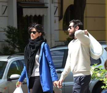 Giulia Bevilacqua, passeggiata romantica con il fidanzato. Guarda le immagini!