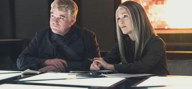 Julianne Moore et Philipp Seymour Hoffman dans Hunger Games 3