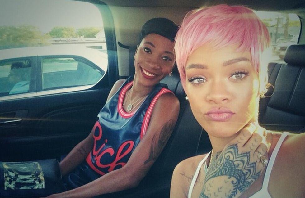 Rihanna a osé les cheveux roses !