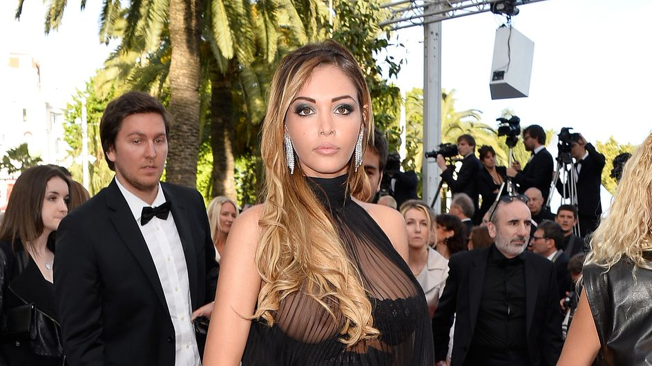 Nabilla : Lâché de sein sur le tapis rouge du Festival de Cannes (Photo)