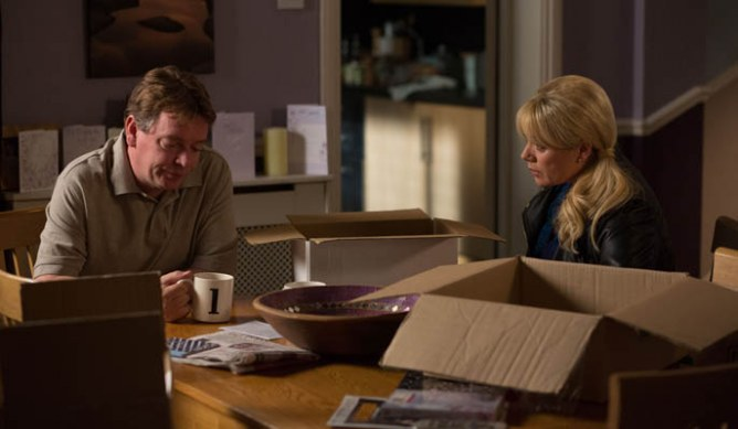 Phil and Sharon panic about Ian