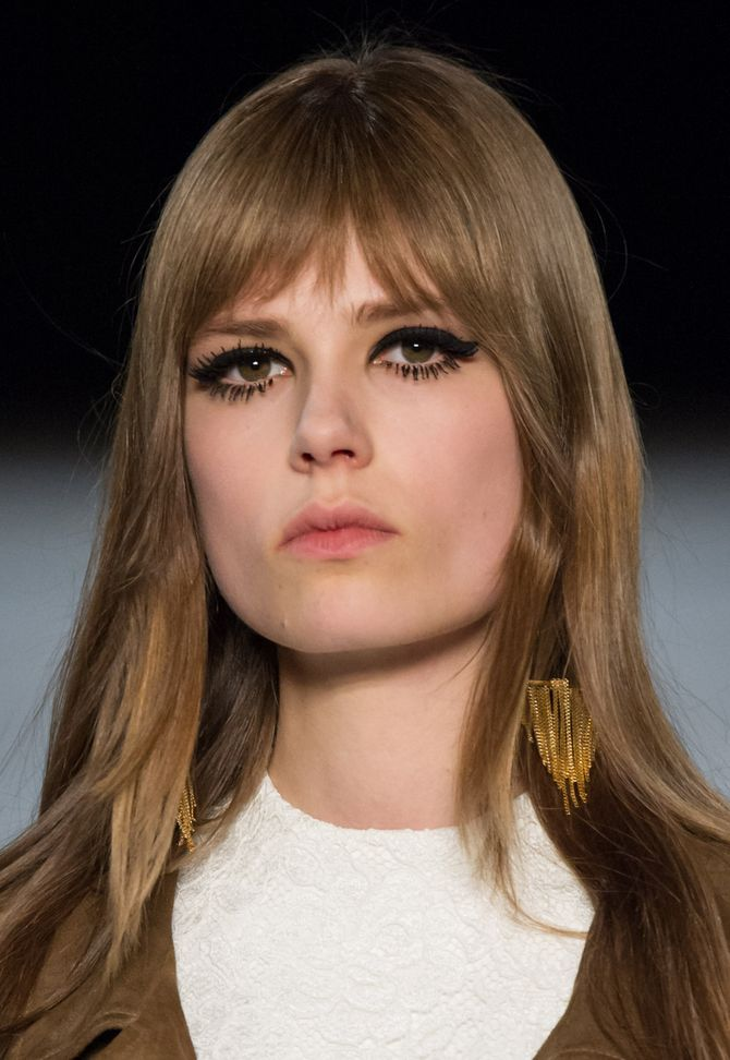 Make-up 60's op de catwalk van Saint Laurent Herfst-Winter 2014-2015