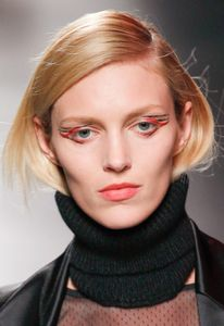 Make-up modeshow Anthony Vaccarello herfst-winter 2014-2015
