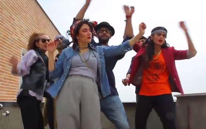 6 personnes, dont ces 3 jeunes femmes, ont été arrêtées pour leur parodie de Happy