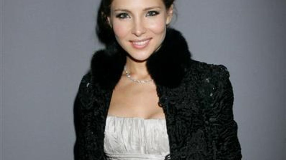 Elsa Pataky glamourosa en la ciudad de la moda