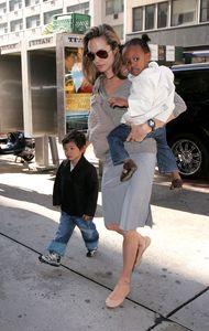 Angelina Jolie, Pax et Zahara